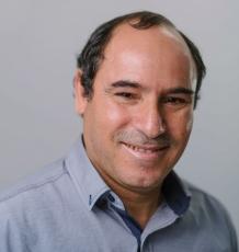 Dr Abdelmalek Benattayallah