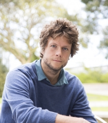 Dr Tomas Chaigneau
