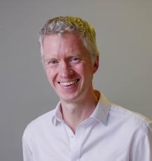 Dr Alan Brown